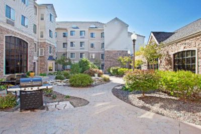 Our Beautiful Tranquil Courtyard With Water Feature 2 Barbecue Areas And Wirless Internet Connectivety. 7 of 11