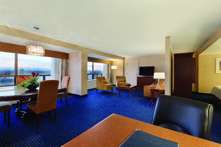Executive Suite 14 of 21