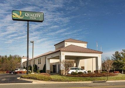 Quality Inn Richmond Airport 1 of 16