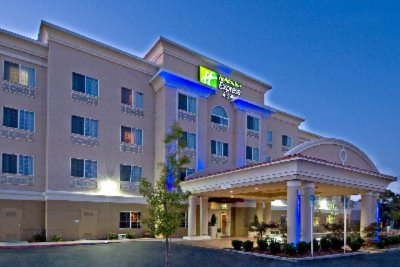 Holiday Inn Express & Suites Klamath Falls Central 1 of 8