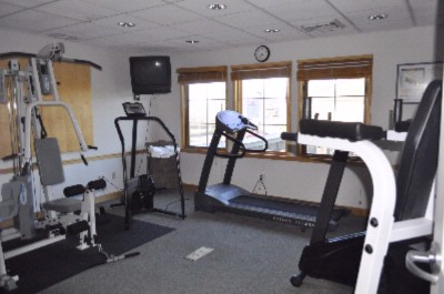 Fitness Room 12 of 21