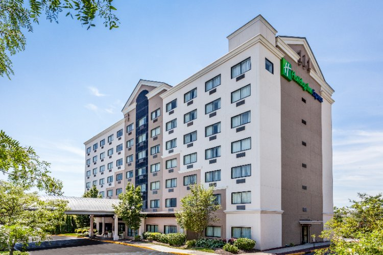 Holiday Inn Express Hauppauge 1 of 26