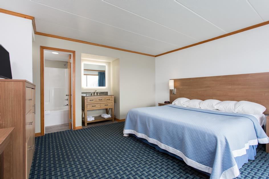 Comfortable Beds & Bedding Is Always Found At The Mariner. 7 of 11