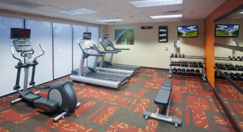 Fitness Room 10 of 18