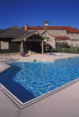Outdoor Heated Pool & Hot Tubs 12 of 12