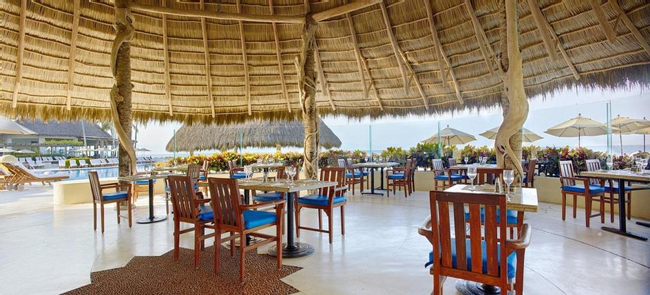 Selva Del Mar -Located By The Pool With A View Of The Bay Selva Del Mar Is An Open Air Restaurant That Offers Casual And Fast Snack Bar Service With Gourmet Options Such As Local Ceviches Fresh Guacamole Tasty Sandwiches Hamburgers Hot Dogs. 13 of 31