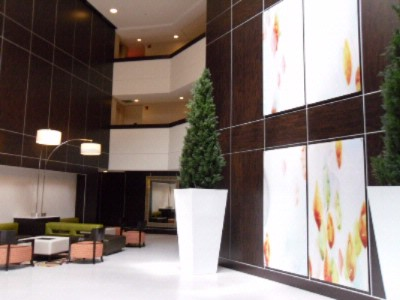 Lobby Welcome Area 3 of 17
