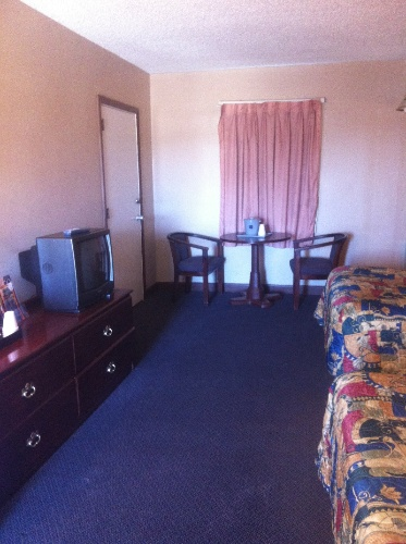 Room With 2 Double Beds 7 of 16