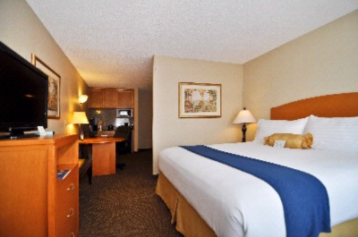 Bw Plus Placentia Inn & Suites Junior Suite 9 of 9