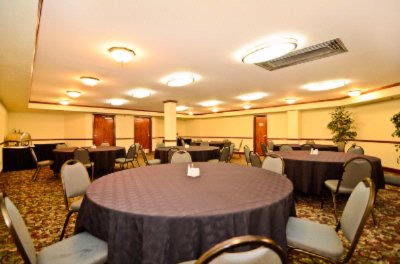 Meeting Room Perfect For Banquets 14 of 14