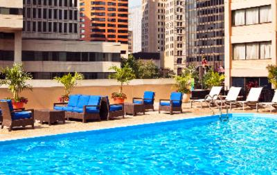Seasonal Outdoor Rooftop Pool And Sundeck 6 of 11