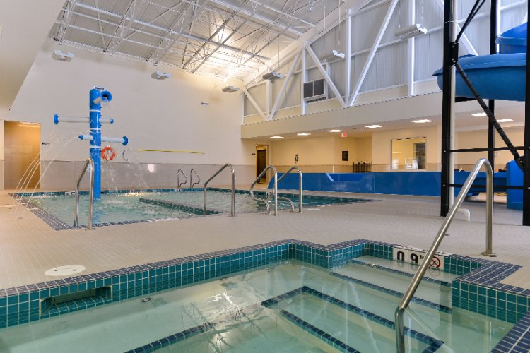 Wetaskiwin\'s Only Hotel With A Swimming Pool 4 of 17