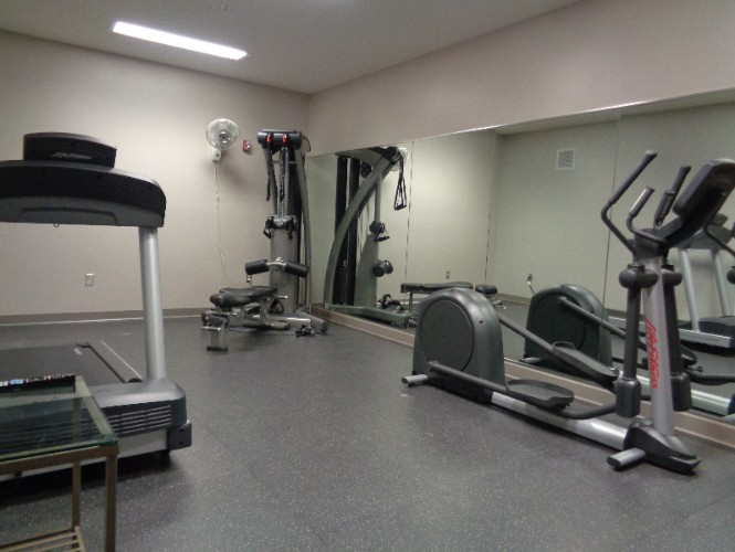Fitness Room 7 of 17