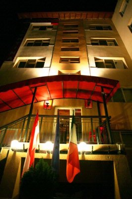 Hotel -Exterior 2 of 8
