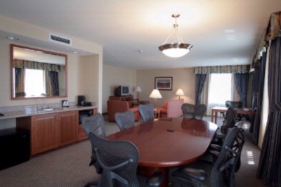 Executive Suite 6 of 15