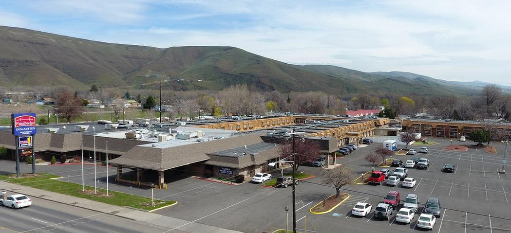 Largest Hotel Parking Lot In Yakima 15 of 23