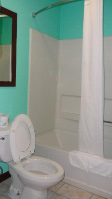 Bathroom 13 of 18