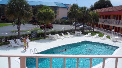 Swimming Pool Area 4 of 18