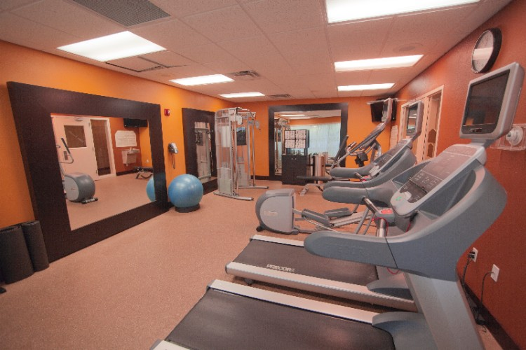 Complimentary Onsite Fitness Center 8 of 29