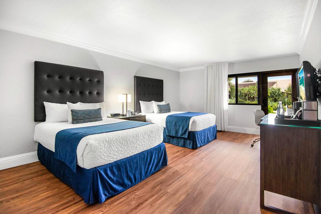 Deluxe Double Room Accommodations 3 of 16