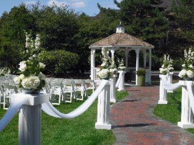 Outdoor Ceremony Site 6 of 9