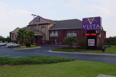 Vista Inn & Suites 1 of 3