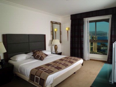 Executive Room 5 of 14