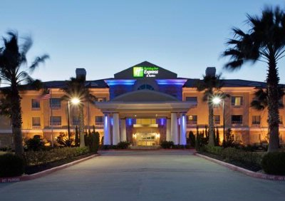 Holiday Inn Express & Suites Pearland 1 of 8