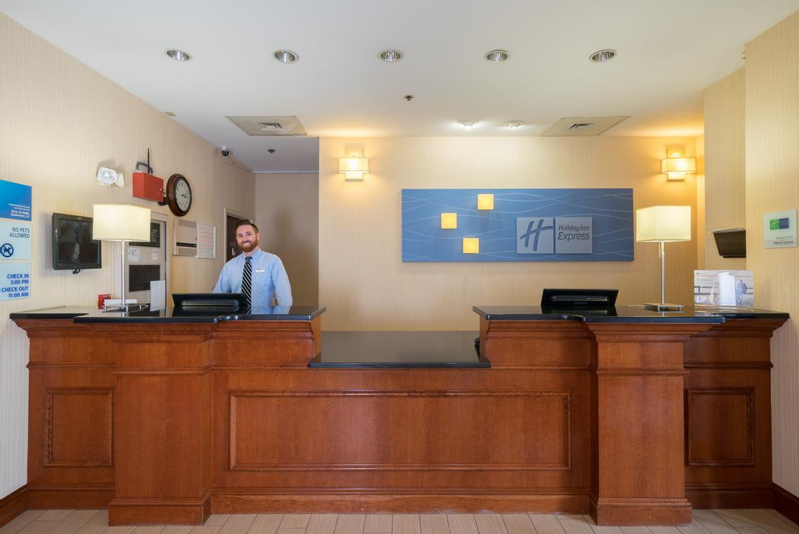 Friendly Front Desk Staff 8 of 11
