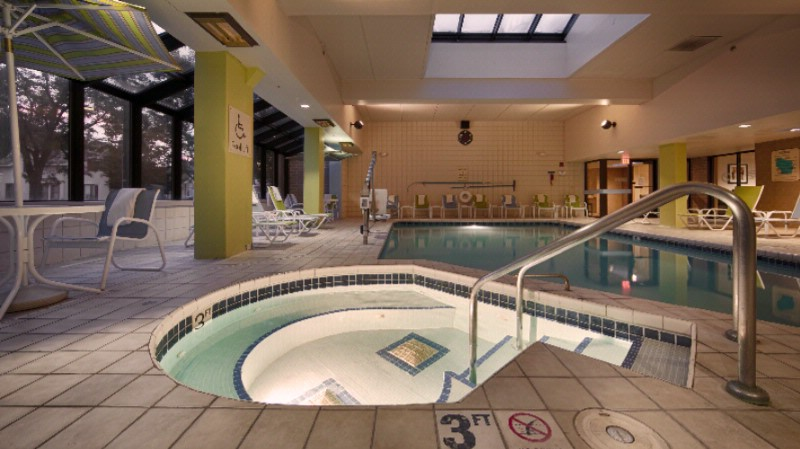 Heated Indoor Pool/whirlpool 7 of 15