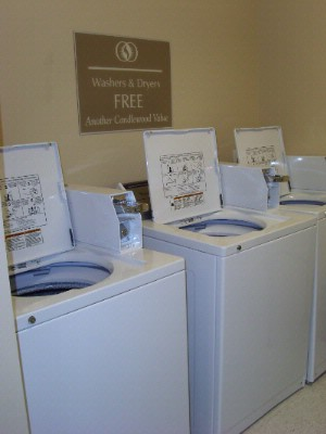 Guest Laundry / Washers 17 of 18