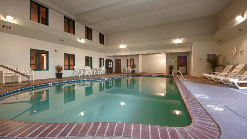 Indoor Swimming Pool And Spa 9 of 13