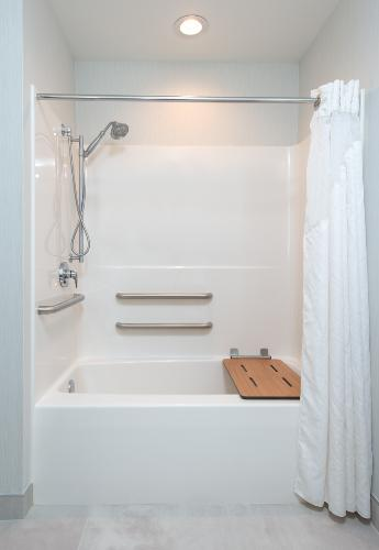 Standard King Mobility Accessible Tub/bath 11 of 29