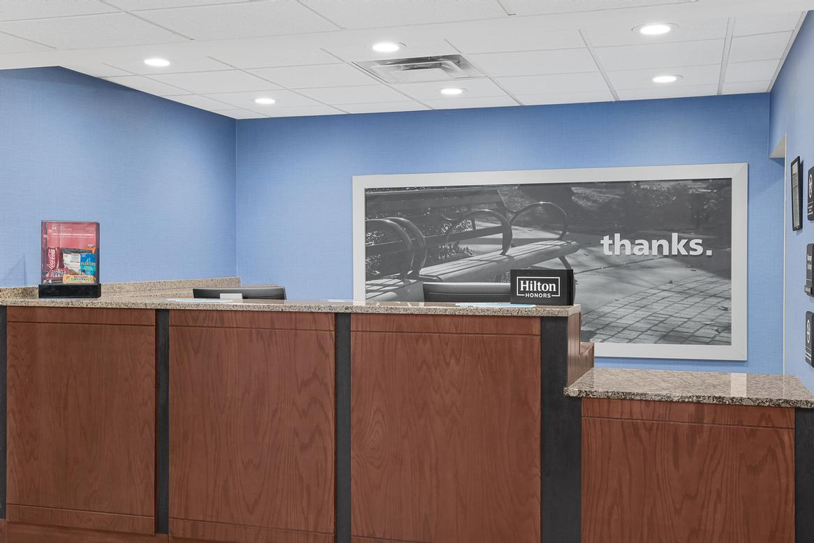 Front Desk 2 of 8