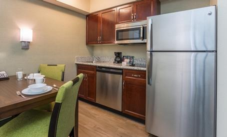 Full Size Fully Equipped Kitchens 4 of 9