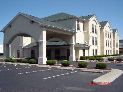 Quality Inn & Suites 1 of 4