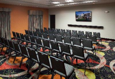 Flexible Meeting/event Space Can Accommodate Up To 50 People. 6 of 18