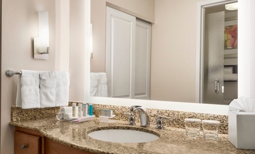 Beautiful And Spacious Vanities 8 of 17