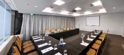 Roma Meeting Room 5 of 8