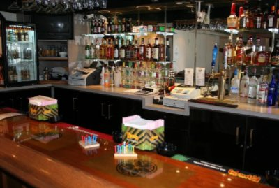 U-Club Pub -Walking Distance From Hotel. Pub Serves Drinks And Light Snacks Daily! 8 of 8