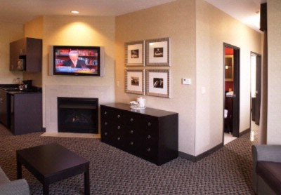 Mckenzie Suite 8 of 14