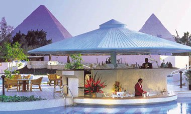 Le Meridien Pyramids Pool Bar 5 of 7