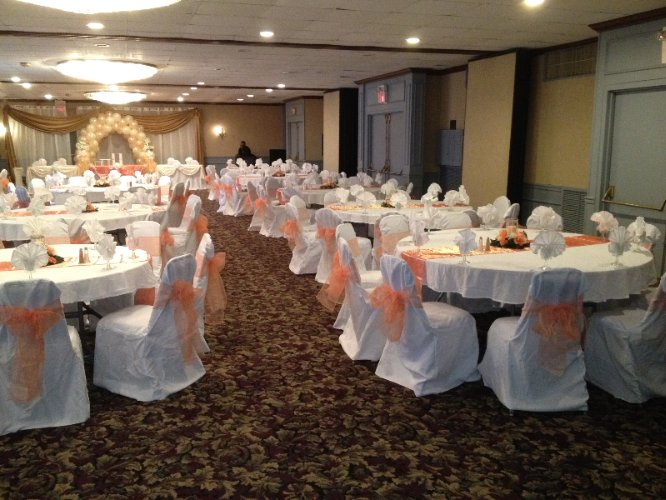Banquet Room 9 of 12