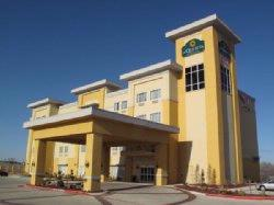 La Quinta Inn & Suites Big Spring 1 of 12