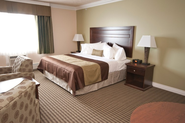 Executive Suite 5 of 20
