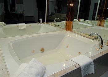 Jacuzzi Rooms Available 6 of 8
