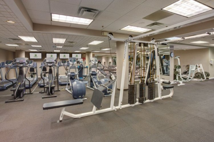 Hotel 3000 S.f. Gym 7 of 25