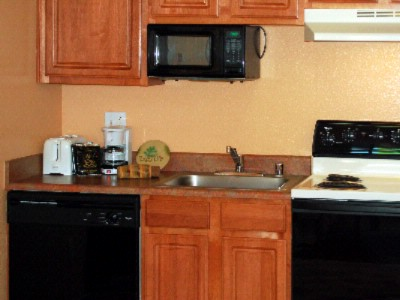 Full Size Kitchen W/appliances 9 of 14