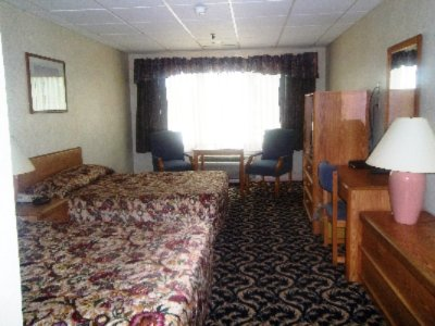 Standard Room With 2 Double Beds 8 of 27