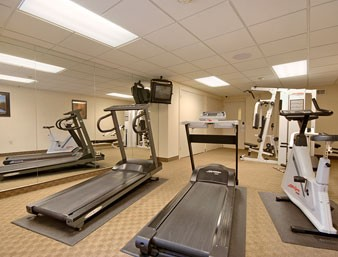 Fitness Room 9 of 29